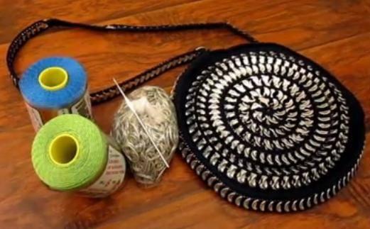 Come fare borse con linguette di lattine ad uncinetto - Como hacer bolsos tejidos ...