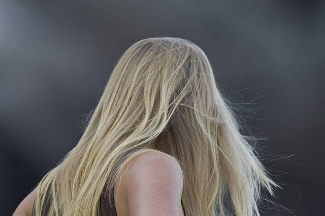 Conseillez les bonnes vitamines à la chute des cheveux