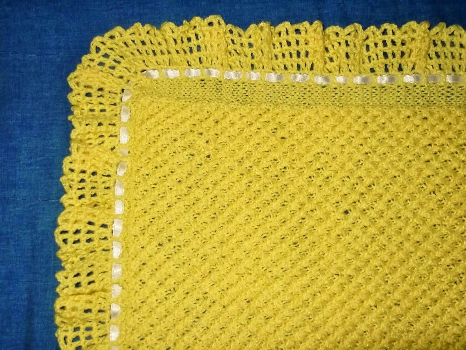 Coperta a maglia a quadri e altri lavori cuciti all - Manta de bebe a ganchillo ...