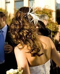 Peinado recogido con rizos